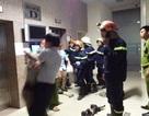 16 người mắc kẹt hoảng loạn trong thang máy: Cư dân có quyền yêu cầu bồi thường