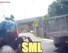 Dành cho những người thích dùng điện thoại khi đi xe máy