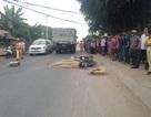 Va chạm với xe tải, nam thanh niên bị cán tử vong