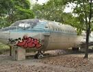 Máy bay Boeing 707 hoang phế giữa lòng Sài Gòn