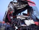 Xe khách tông 2 xe tải, 1 người chết, 9 người bị thương