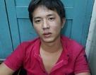 Cảnh sát hình sự khống chế tên cướp cố thủ trên nóc nhà dân