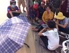 Đi chợ cùng mẹ, bé trai 4 tuổi bị xe tải cán chết