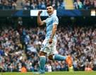 Đè bẹp Newcastle, Man City giành lại ngôi đầu bảng