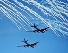 """Phi đội """"chim sắt"""" uy lực nhất thế giới đổ về Syria oanh tạc IS"""