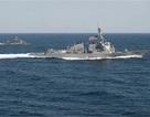"""Đằng sau """"nước cờ"""" tàu chiến Mỹ áp sát đảo nhân tạo"""