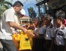 3.000 quyển vở đến với học sinh nghèo ở TP Cần Thơ