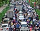 Đường vào sân bay Tân Sơn Nhất kẹt cứng vì vụ tai nạn chết người