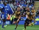 """Sanchez lập hat-trick, Arsenal tạo """"mưa bàn thắng"""" trên sân Leicester"""