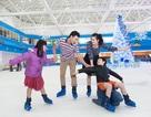 """Giới trẻ Hà Nội đón """"Olympic mùa đông"""" đầu tiên trong băng giá đúng dịp Noel"""
