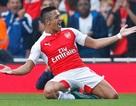 """""""Thổi bay"""" Man Utd, Arsenal chiếm ngôi nhì bảng"""