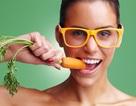 Có nên ăn nhiều cà rốt cho sáng mắt?