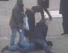 """""""Hiệp sĩ mù"""" chặn vụ cướp kim hoàn gần triệu bảng Anh"""
