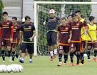 HLV Miura nổi cáu với chất lượng mặt sân VFF