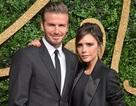 Vợ chồng Beckham diện đồ đen phong cách sánh đôi trên thảm đỏ