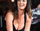 Katy Perry khoe ngực khủng tại sự kiện