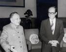 Tỷ phú số một Hồng Kông lặng lẽ rút khỏi Trung Quốc