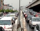 """Dân Việt """"đổ xô"""" mua ô tô, xe đăng ký mới tăng đột biến"""