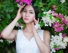 Hoa khôi Sông Lam Nghệ An đẹp tinh khôi bên dàn hoa giấy