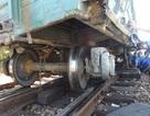 Tàu hỏa trật bánh, đường sắt tê liệt nhiều giờ