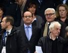 Tổng thống Pháp được sơ tán khỏi sân bóng do tấn công khủng bố