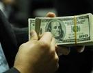 """USD tăng mạnh, giá """"chợ đen"""" vượt ngân hàng 150 VND"""