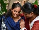 """Nữ sinh 20 tuổi đứng lên chống nạn """"cô dâu nhí"""" ở Ấn Độ"""