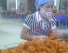 """Đột nhập xưởng sản xuất bim bim """"bẩn"""" công nghệ Trung Quốc"""