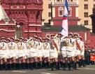 """Các """"bóng hồng"""" quân đội Nga lần đầu duyệt binh mừng Ngày Chiến thắng"""