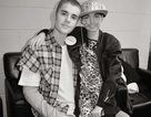 Bà mẹ xúc động khi con gái được Justin Bieber tới thăm trong những ngày cuối đời