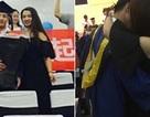 Nữ sinh táo bạo cầu hôn bạn trai trước toàn trường