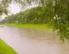 Sông Tô Lịch đen ngòm bỗng đẹp lạ lùng sau cơn bão