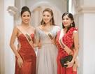 Nguyễn Thị Loan khoe vai trần gợi cảm cùng thí sinh Hoa hậu hòa bình thế giới