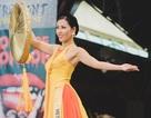 Nguyễn Thị Loan lọt top 10 thí sinh mặc trang phục dân tộc đẹp nhất