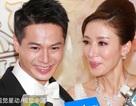 """""""Ảnh hậu TVB"""" Dương Di nức nở trong đám cưới với chồng trẻ"""