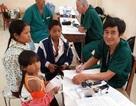20 bác sĩ đa quốc gia tới Kon Tum khám chữa bệnh miễn phí