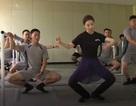 Binh sĩ Hàn Quốc múa ballet trên biên giới
