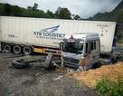Container loạng choạng đâm 5 người thương vong