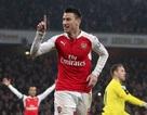 Koscielny tỏa sáng, Arsenal độc chiếm ngôi đầu bảng