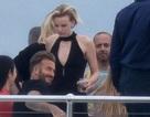 David Beckham điển trai thân mật với người đẹp tóc vàng trên du thuyền 40 triệu đô