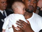 Kanye West lần đầu khoe con trai cưng rất kháu khỉnh