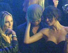 """Leonardo DiCaprio lại """"kẹp"""" bạn gái mới trong hộp đêm"""