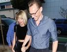 Tom Hiddleston tự hào nắm tay Taylor Swift khi hò hẹn