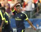 Arsenal 3-1 Chivas: Oxalade-Chamberlain lại tỏa sáng