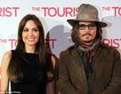 Johnny Depp an ủi Angelina Jolie, Brad Pitt suy sụp vì phải xa các con