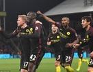 Yaya Toure tỏa sáng, Man City đuổi kịp Liverpool
