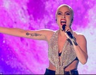 Cư dân mạng xôn xao vì gương mặt khác lạ của Lady Gaga