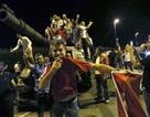 """Đảo chính Thổ Nhĩ Kỳ: """"Thế cờ"""" lật ngược"""