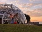 Gặp gỡ gia đình Na-uy sống trong quả cầu thủy tinh tại vòng Bắc Cực