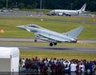 Máy bay khoe dáng tại triển lãm hàng không Farnborough ở Anh